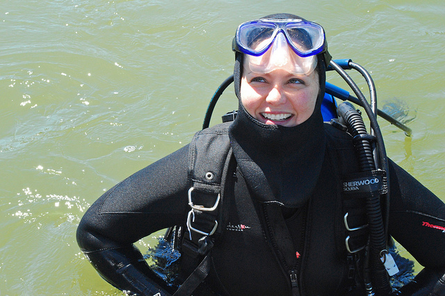 How trustworthy would you rate this scientist? Image: Chesapeake Bay Program, Scientist in dive gear, Flickr.com