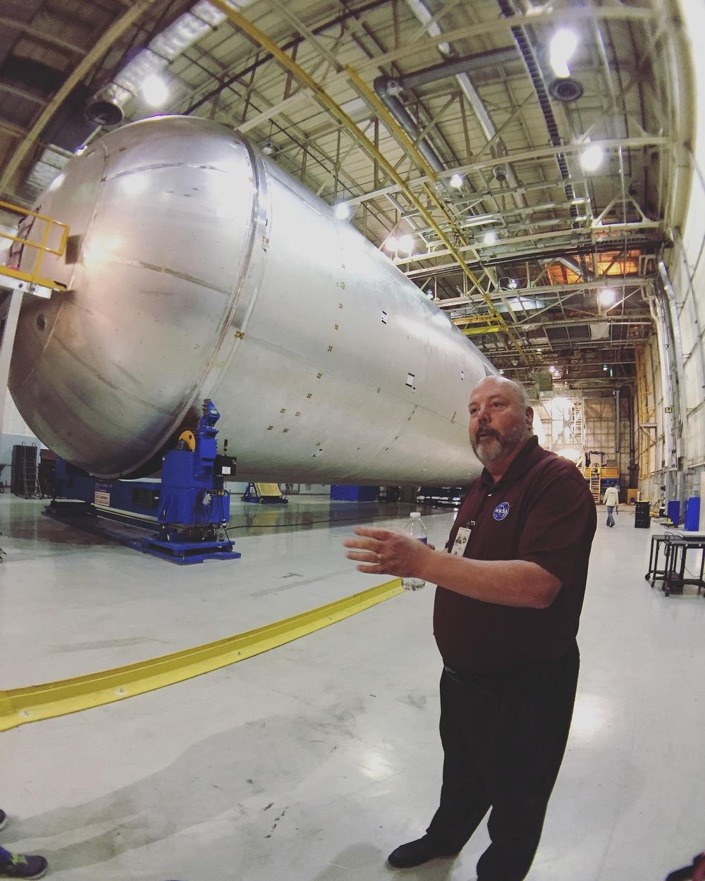 Large Liquid Hydrogen Tank for SLS