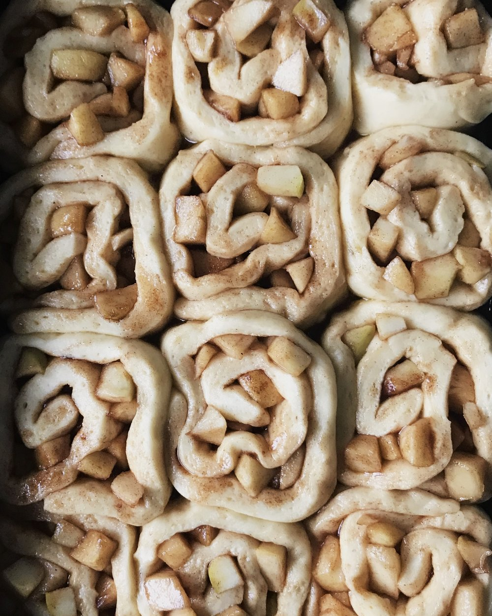 apple & cinnamon scrolls