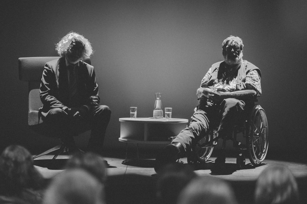 Fra programmet om Nasjonsbyggeren Bjørnson med Edvard Hoem og Frank Aarebrot. Foto: Andreas Winter.