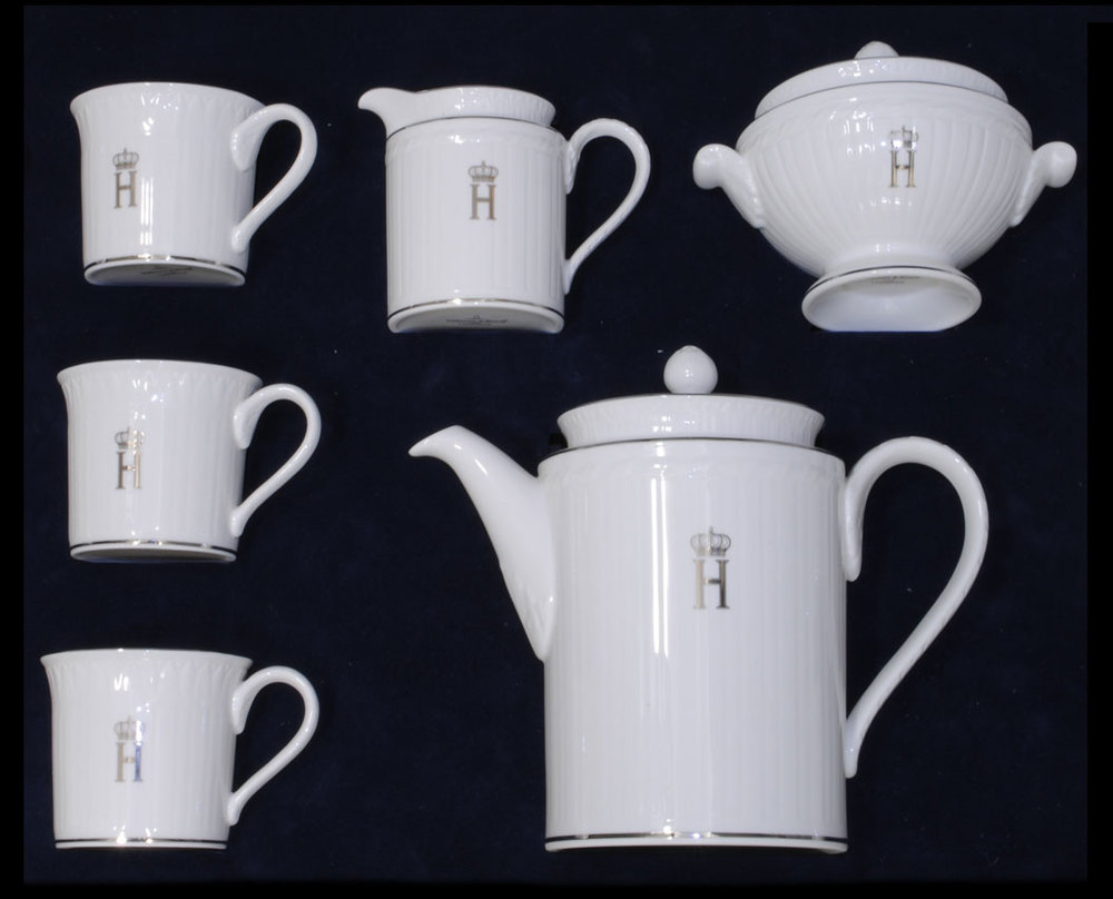Villory-Boch-12-Setting-Porcelain-Coffee-Service-bearing-Crowned-H_Grand-Duke-and-Duchess-of-Luxembourg.jpg