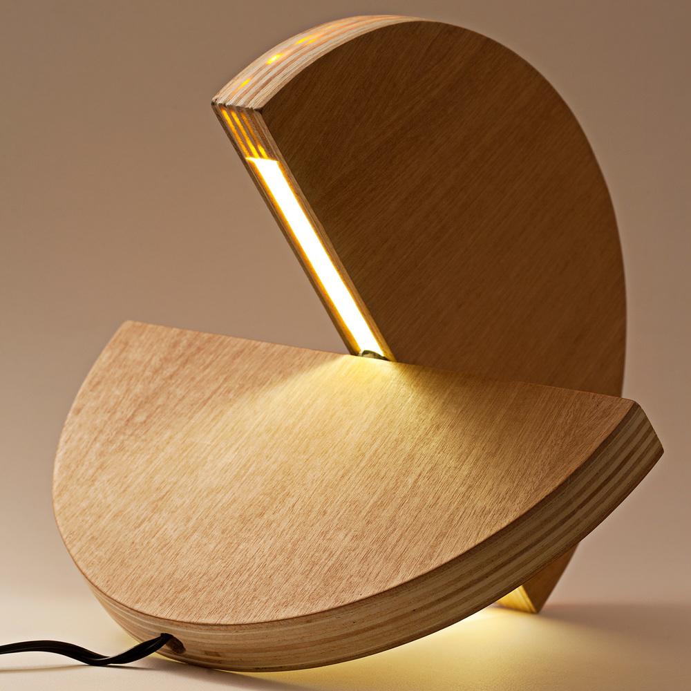 unisono.produzioni.lampada.lulu_05.jpg