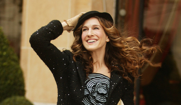 carrie-bradshaw-paris-620x360.jpg