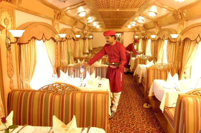 deccan-odyssey-train-restaurant.jpg
