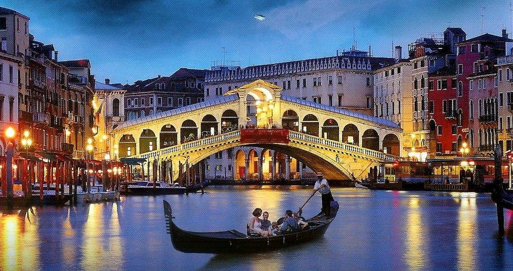italy-venice-canals-night.jpg
