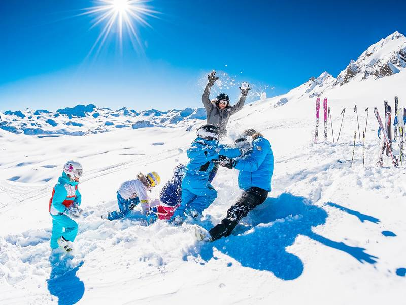 luxury_family_ski_holidays_val_disere.jpg