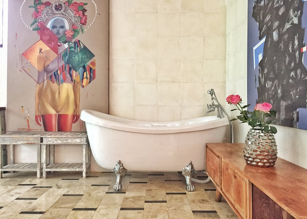 Fun and blessed memories with your freestanding bathtub overlooking the native jungle!
