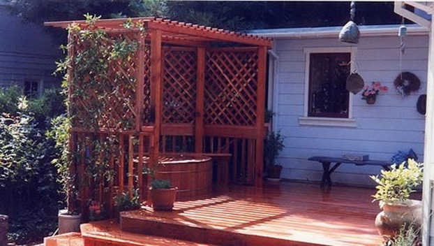 39_ Privacy Screen and Deck Around Wood Soaking Tub.jpg