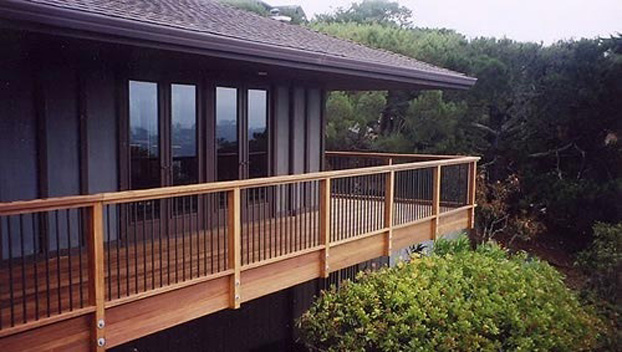 9_Tiburon Ipe Deck with Fortress Black Pickets.jpg