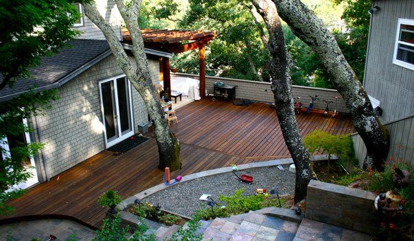10_Creative Outdoor Family Living Space for Kentfield Home.jpg