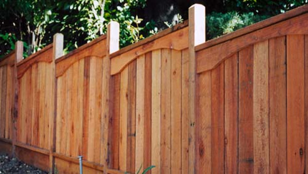 clough builds their wood fences with emphasis on