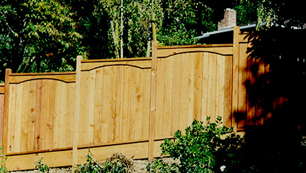 58_Kentfield Fence with Decorative Arched Top Trim.jpg