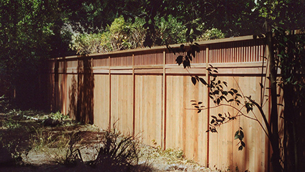 59_Marinwood Good Neighbor Fence with 1x2 Alternating Window.jpg