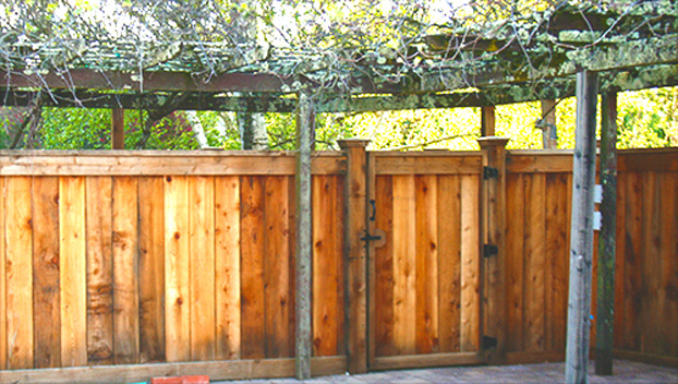 17_San Rafael Good Neighbor Fence, Gate and Arbor.jpg