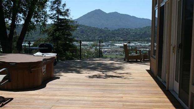 3_San Rafael Ipe Deck with Metal & Glass Railing.jpg