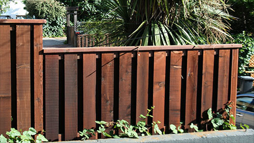 12_fairfax alternating board front fence.jpg