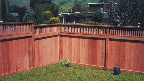 40_terra linda good neighbor front fence with decorative 1x2 window.jpg
