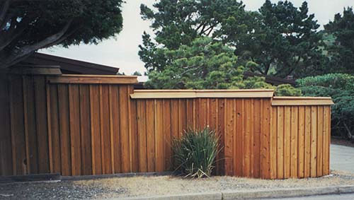44_camino alto board on batten front fence with roof ridge cap.jpg