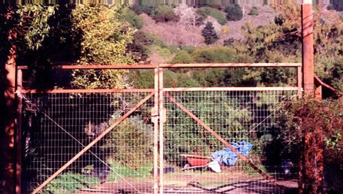 67_lucas valley deer fence double gates with open window and cap.jpg