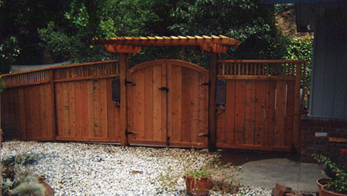 69_rush creek arched double entry gate with arbor and 1x2 window fence.jpg