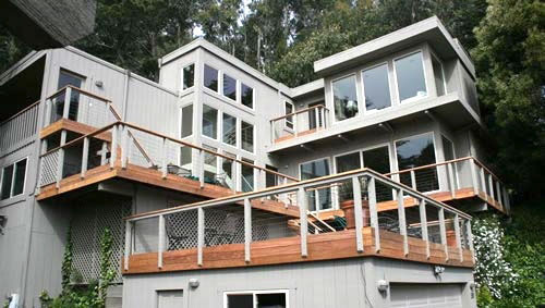 04_sausalito hillside cumaro multi-level decking with cable railing.jpg