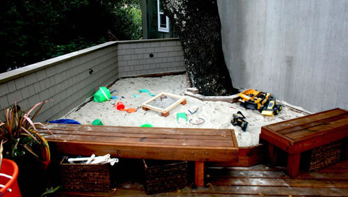 18_ross kids play area and sandbox.jpg