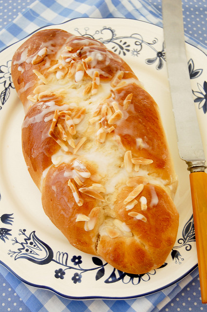 """Pulla: Finnish Cardamon Bread."" via Julia at Flickr ."