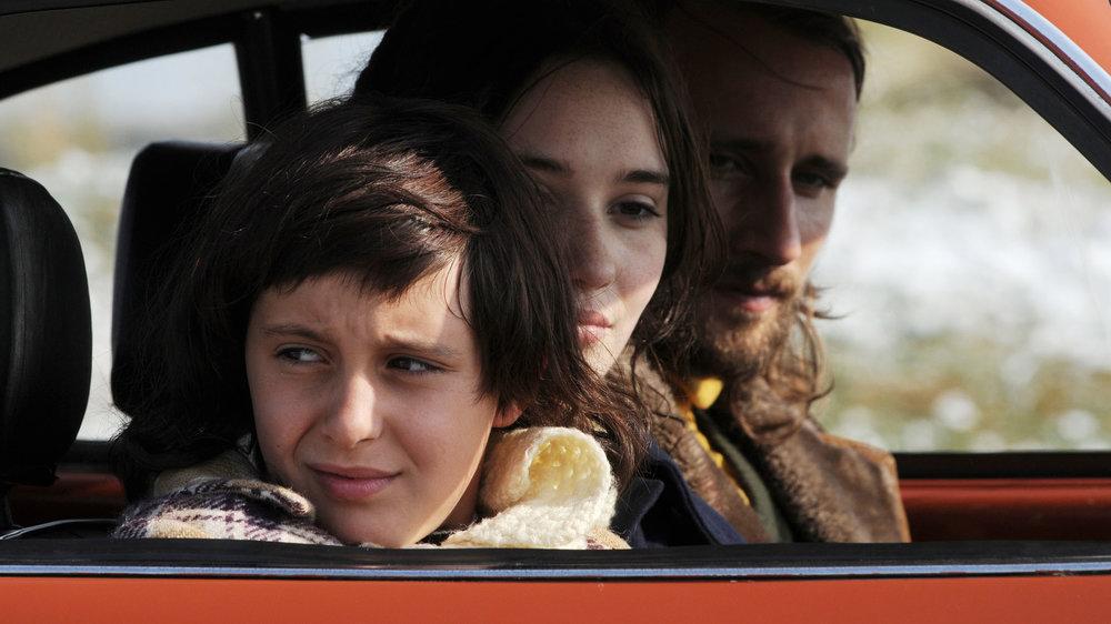 Anna Franziska Jaeger, Deborah François & Matthias Schoenaerts in MY QUEEN KARO directed by Dorothee van den Berghe - DoP Jan Vancaillie. Courtesy Caviar Films