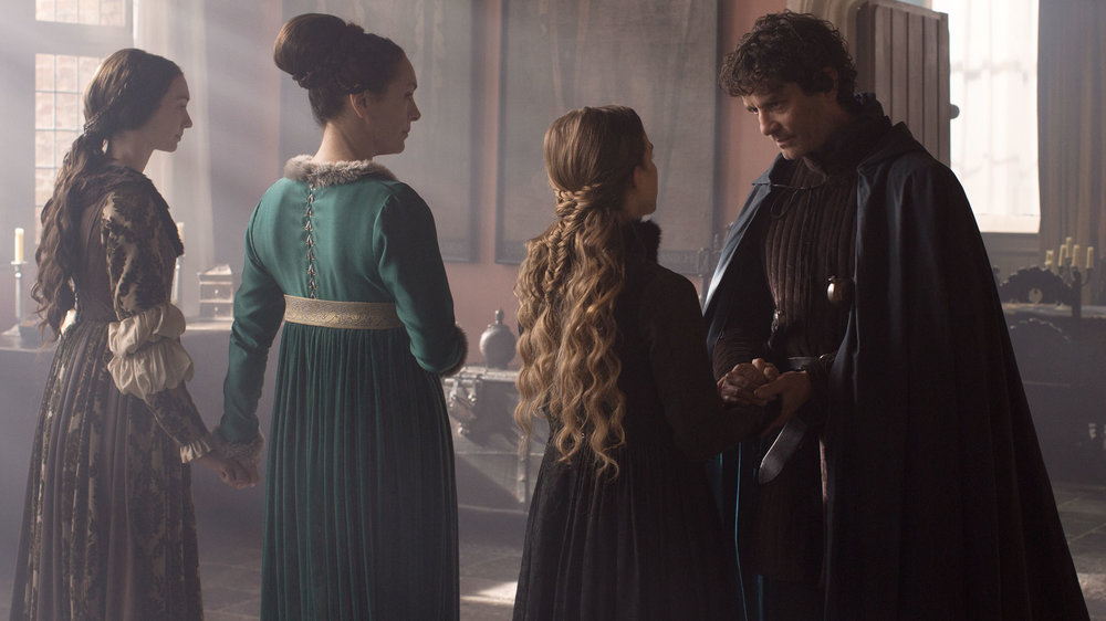 Eleanor Tomlinson, Juliet Aubrey, Faye Marsay and James Frain in THE WHITE QUEEN directed by Jamie Payne. Courtesy Starz Entertainment/BBC Drama