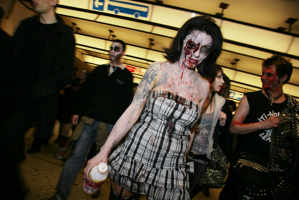 Walking Dead Flashing a Coy Smile, Central Station