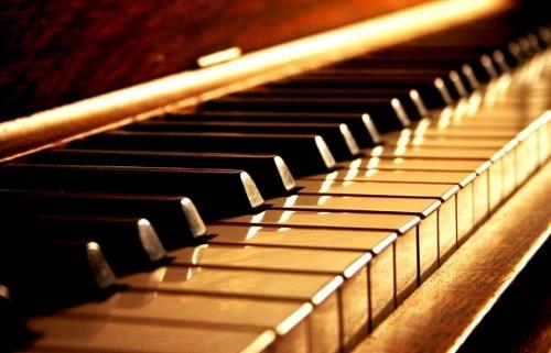 piano-header.jpg