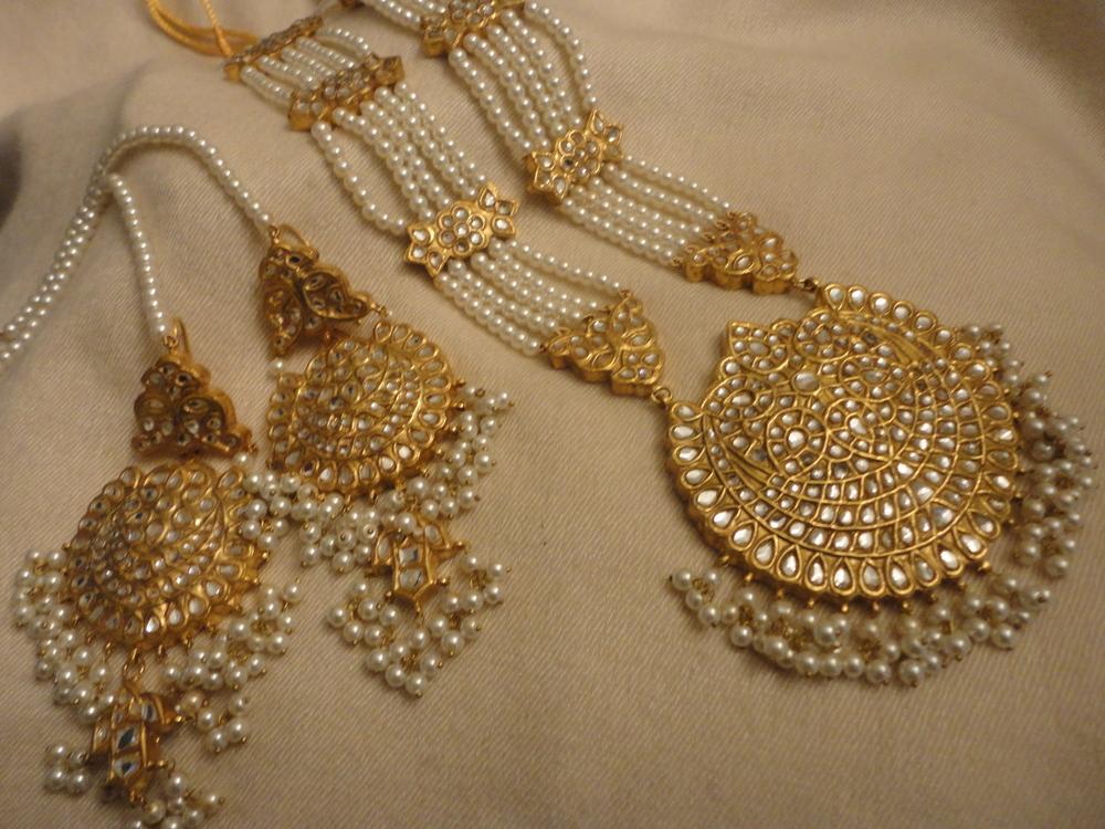 Kundan & Pearl Strand Long Mala And Kundan Earrings — Zayver