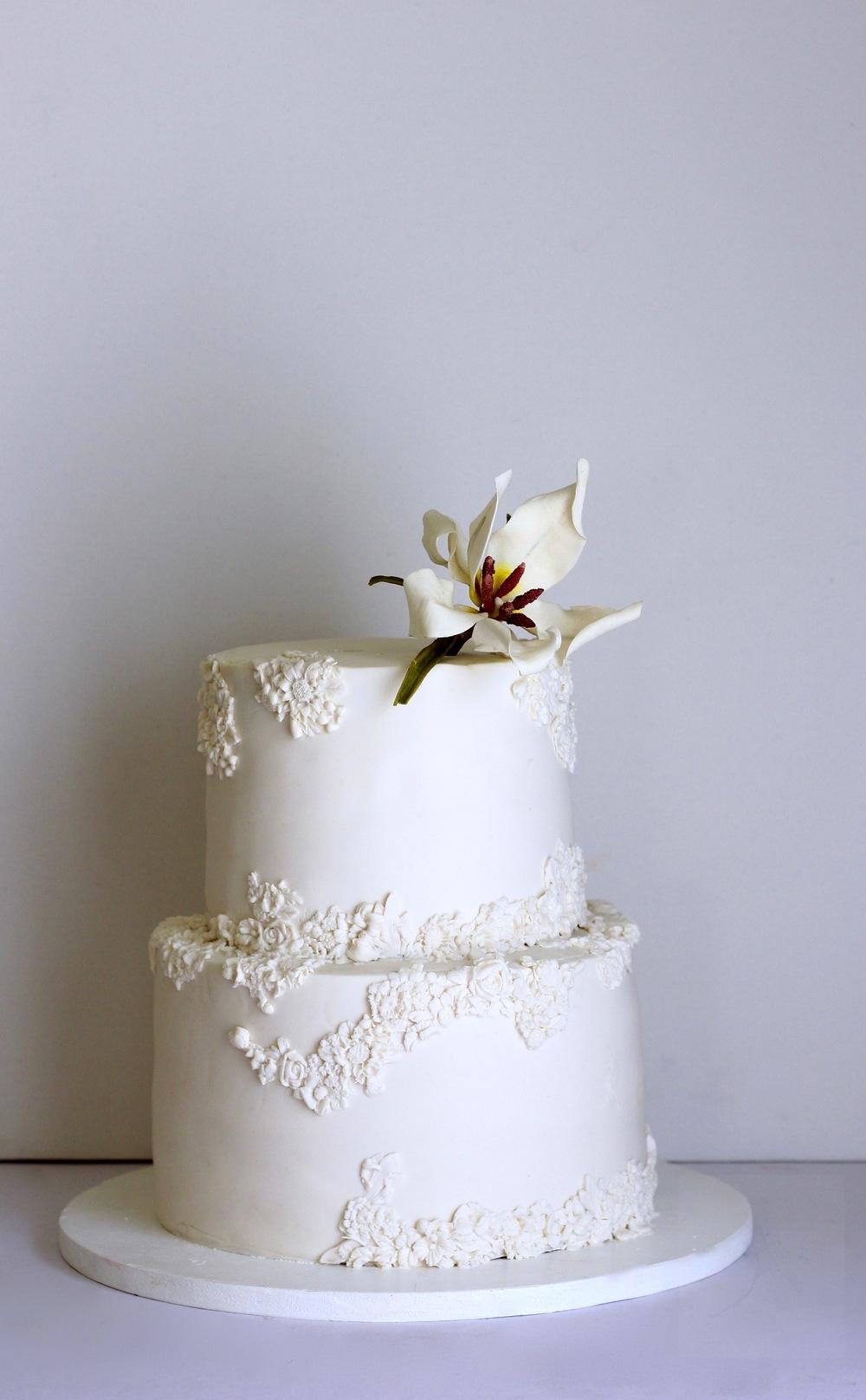 white engagement cake trinidad & tobago by jaime gerard cake