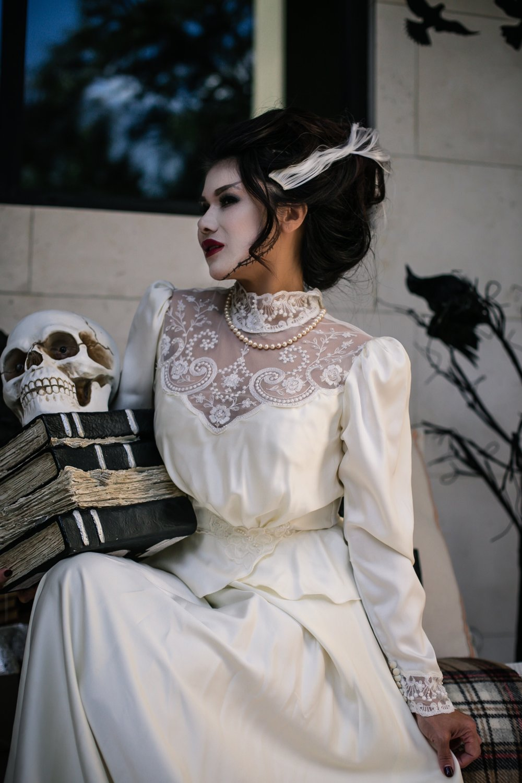 Jetset Diaries- BlogLAST MINUTE HALLOWEEN COSTUME: Bride of Frankenstein