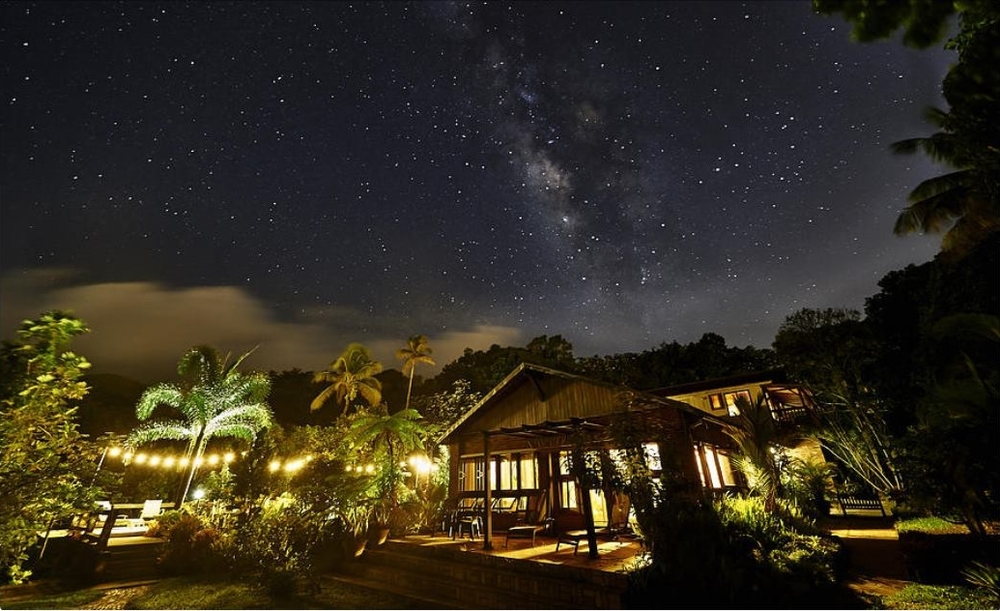 Rainforest Inn Starry Night Villas Rooms Milky Way