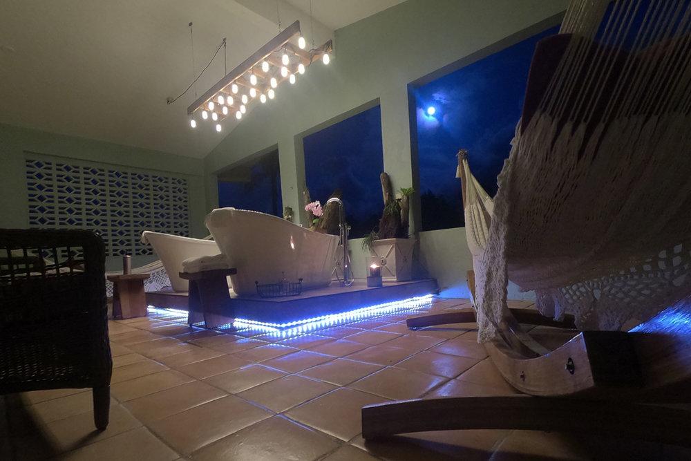 bathtubs-moonlight-1200by800.jpg
