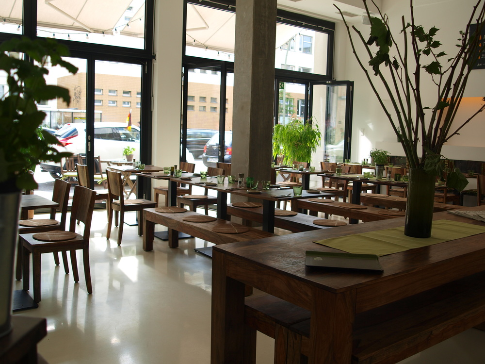 Restaurant14_3.JPG