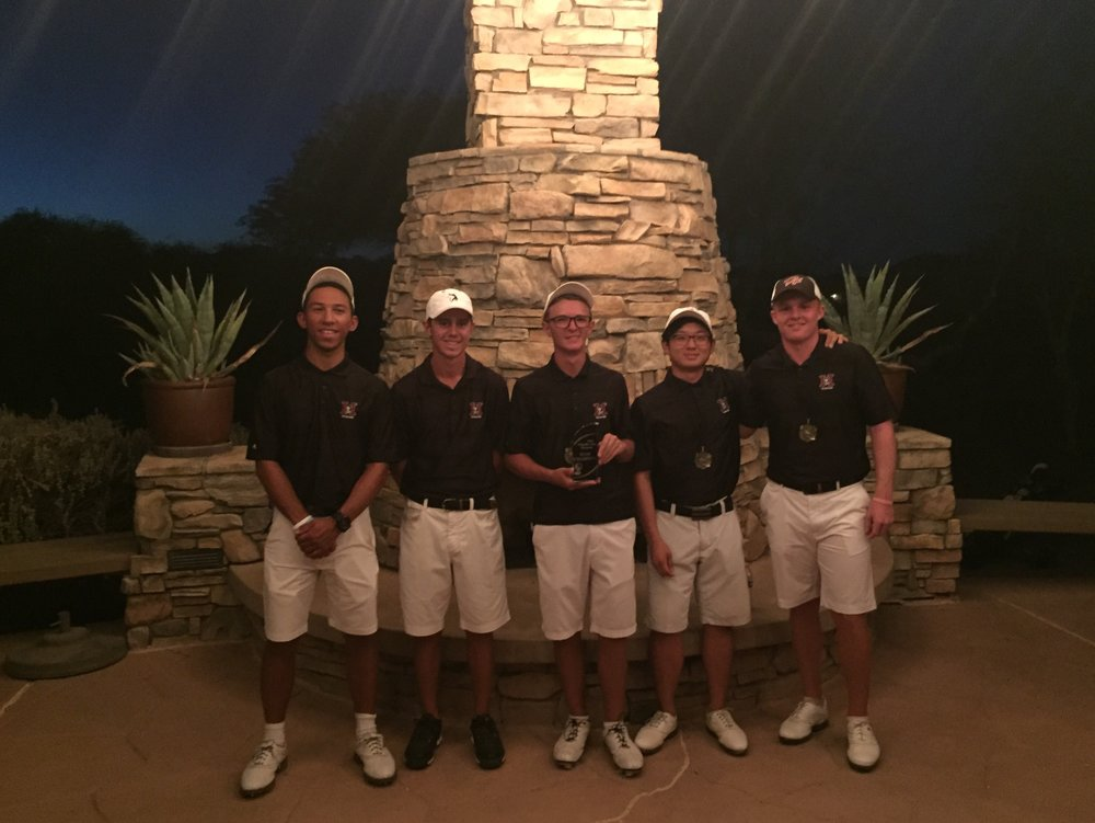 Hamilton Huskies win 2016 Chandler Shootout! From left to right, Andrew Proctor, Nick Hedman, Ryan Sanchez, Trueman Park & Mason Andersen. Senior and co-captain Mason Andersen also finished in 1st place with a total of -9 for the tournament.  Trueman Park (-8) came in 2nd.