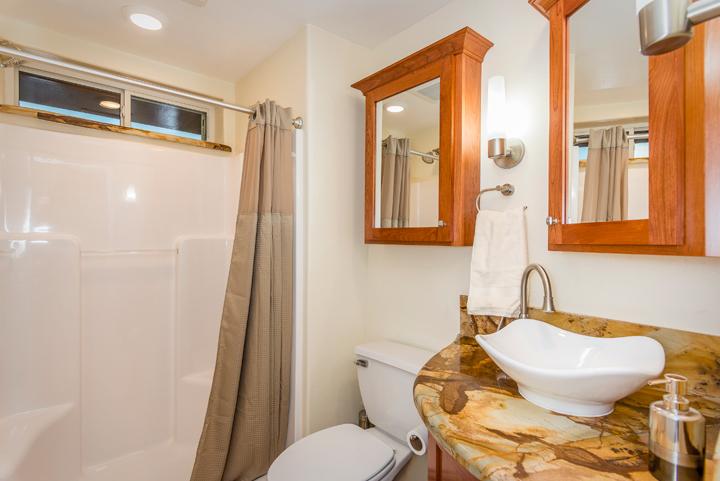 Stern Bath2 SML.jpg