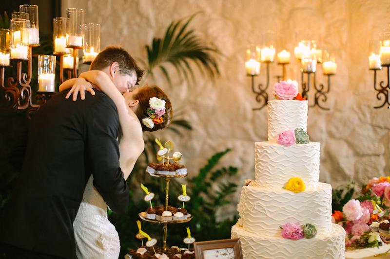 Cake by Creme de la Creme; Apryl Ann Photography