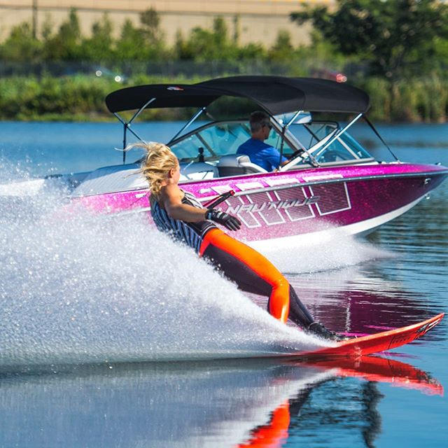 Glass calm for my first set back in a month 💖 gosh I love skiing behind my pink @nautiqueboats 200!! To all my girlfriends who want to ski with me and my boat PLEASE sign up for my mailing list to get the dates BEFORE I release them on social media!! (Follow the link in my bio & enter your email address to get on my list! ☺️) www.whitneymcclintock.com