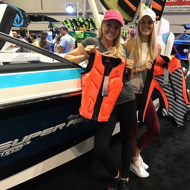 @taschatjie and I had some fun hanging out at the @nautiqueoforlando booth at the Orlando Boat Show today showing off the 2017 bright & beautiful @glidesoul line to @perfski 🖤get ready for your ski season by picking out some beautiful GS pieces! Leave your email below & I will send you ✨a 10% off coupon ✨xo