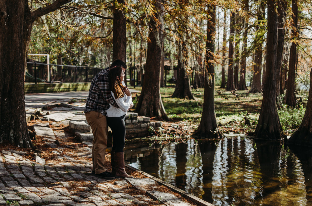 Greenfield lake wilmington nc couples photography session fall photo session wilmington nc photographer fall photoshoot outfits