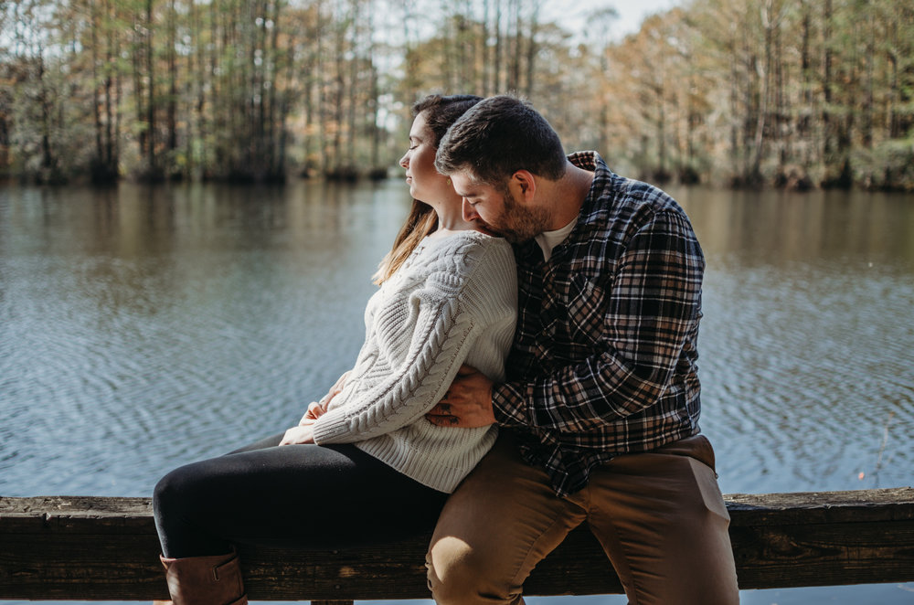 Greenfield Lake Wilmington, NC couples photo sesson wilmington, NC photographer Fall photography sessions by the water