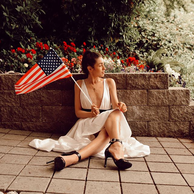 Keep on rockin' in the free world . . . . #fashionrouse #4thofjuly #2018 #memories #brittneycouturephotography #patriotic #lotd #outfit #usa #pnw #neilyoung #rockininthefreeworld