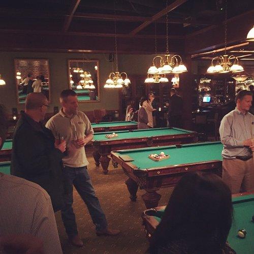 Uptown Billiards Club - Nearest bar with pool table