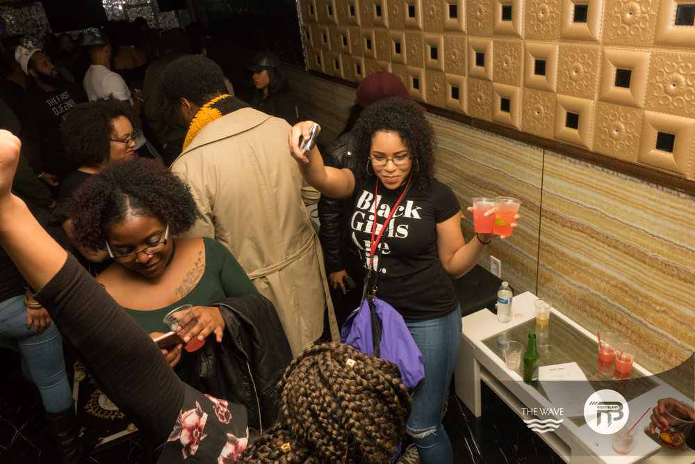 WaveDC-BlackBarCrawl-2-2018-06985.jpg