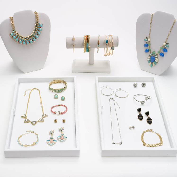 TrendTribe_Small_Display_with_Jewelry-e1423454688457.jpg