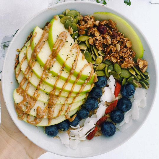 An Oats and Woes oatmeal bowl