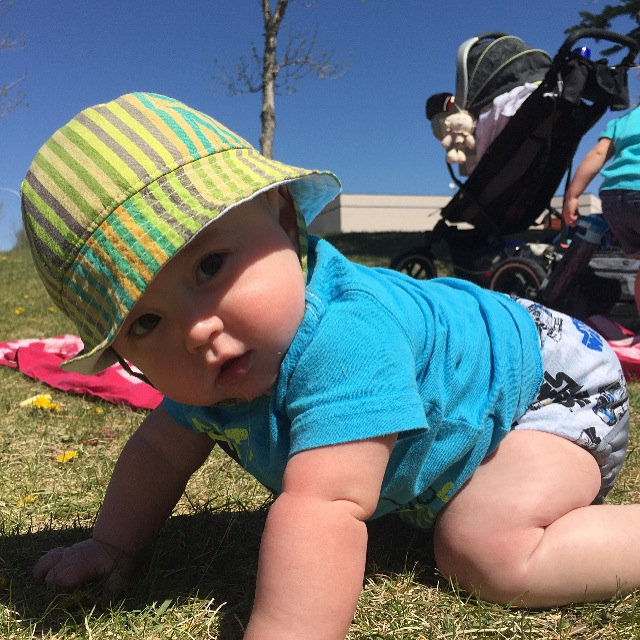 baby sun hat by blue corduroy.JPG